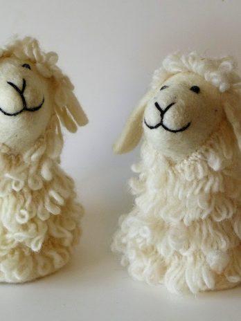 Filz Eierwärmer weißes Schaf
