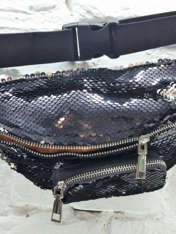 Fancy Bauchtasche aus schwarz/silbernen Wendepailletten