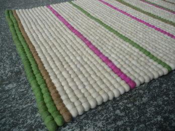 Teppich-Läufer-aus-Filzkugeln