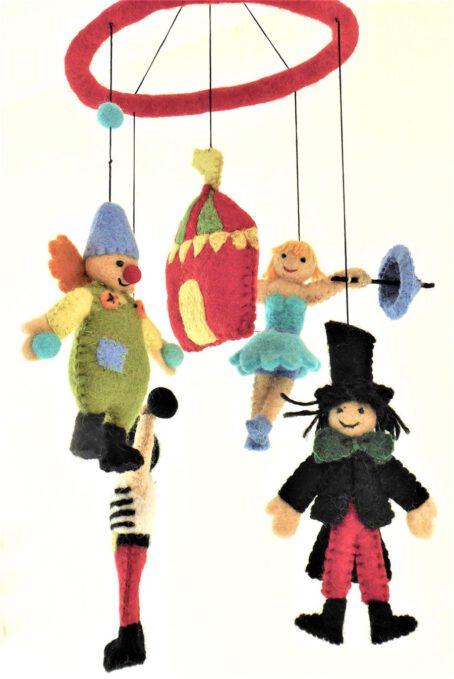 Mobile-aus-Filz-Zirkus-1
